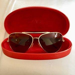 Valentino aviator sunglasses ✨🕶 ✨